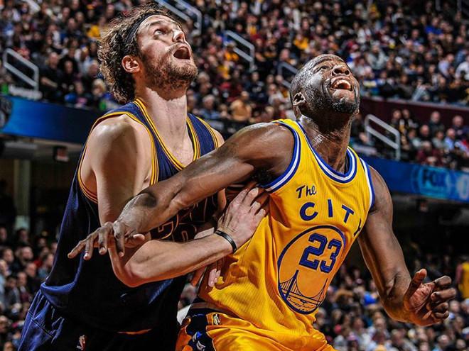 """""""Уорриорз"""" могут провести лучший сезон в истории НБА, """"Сиксерс"""" - худший"""