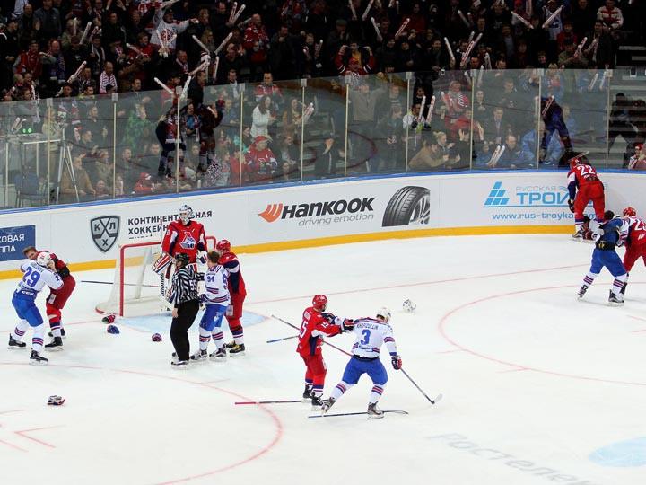 Драки в третьем матче финальной серии Запада «Локомотив» — СКА