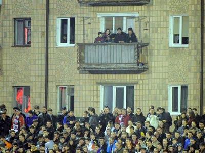 Наиболее яркие фото 24-го тура украинской премьер-лиги