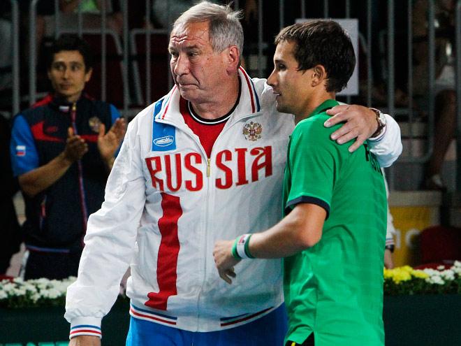 Сборная России обыграла испанцев во Владивостоке