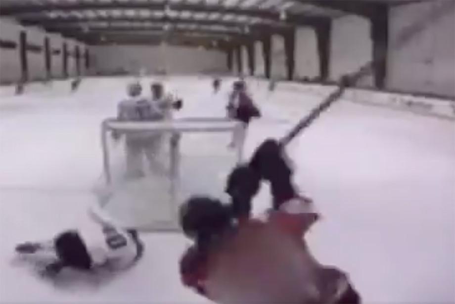 Мясник с клюшкой. Американский хоккей потрясла жестокость школьника