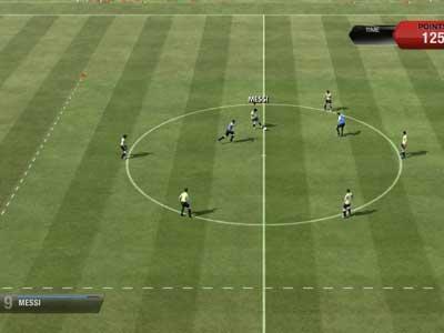 Футболисты сыграли с болельщиками в FIFA 13