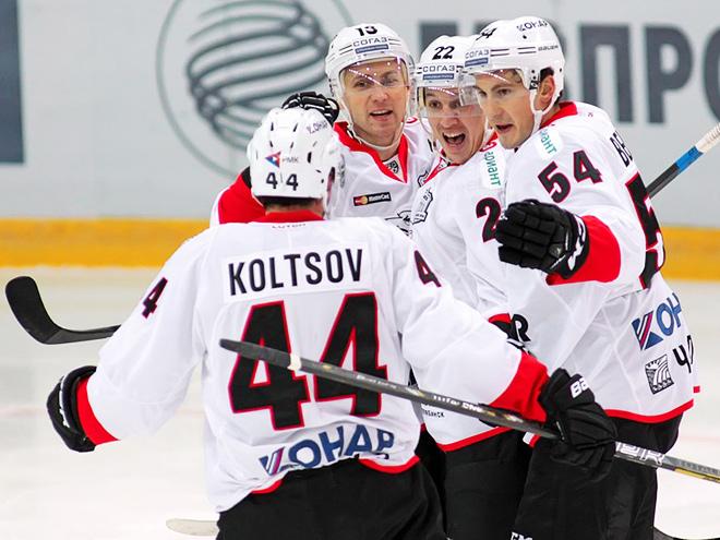 Хоккей. Обзор дня. Победные голы Кольцова и Коршкова, четыре паса Галузина