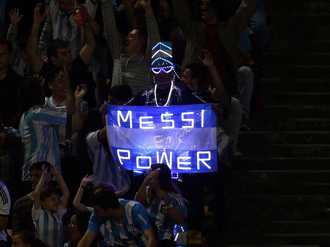 Сборная Аргентины проиграла Парагваю без Лео Месси