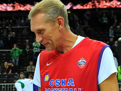 Анатолий Мышкин на матче ветеранов