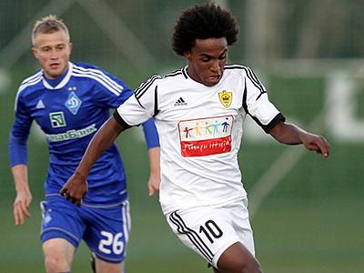 «Анжи» и киевское «Динамо» сыграли вничью – 2:2