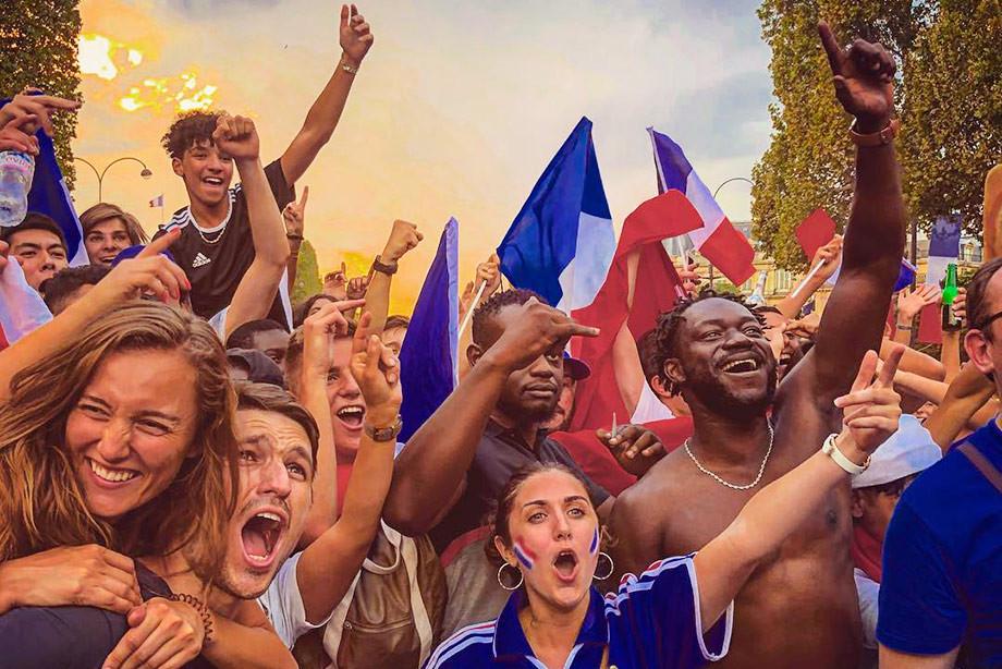 Париж в огне: 20 лучших фотографий после победы сборной на ЧМ-2018