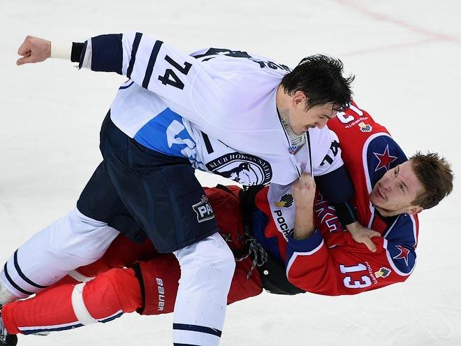 Лучшие хоккейные драки 2015 года