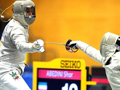 В Санкт-Петербурге стартовал Гран-при и ЭКМ по рапире