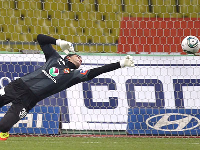 Лучшие сейвы Премьер-Лиги 2011