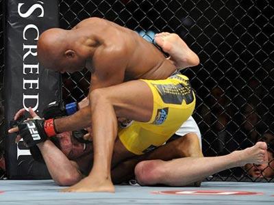Андерсон Силва вновь победил Чейла Соннена на UFC 148