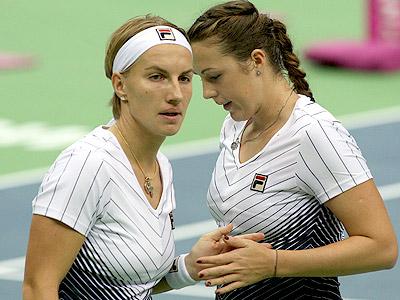 Павлюченкова и Кузнецова вывели Россию в полуфинал
