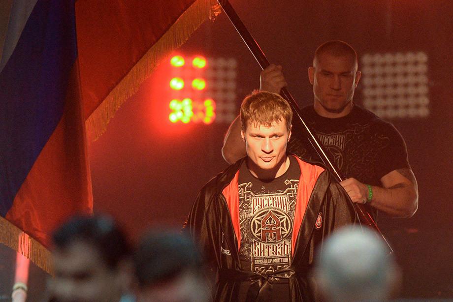 Александр Поветкин проведёт бой с Хьюи Фьюри 31 августа