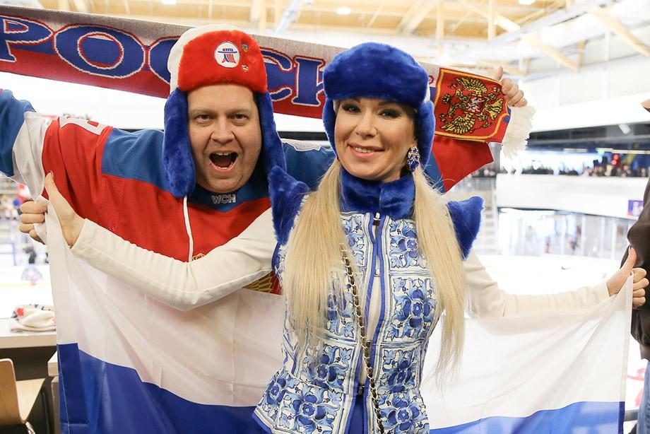 Сборная РФ  сразится самериканцами вчетвертьфинале молодежногоЧМ похоккею