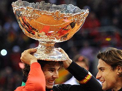 Новая победа Испании и россиянин Богомолов