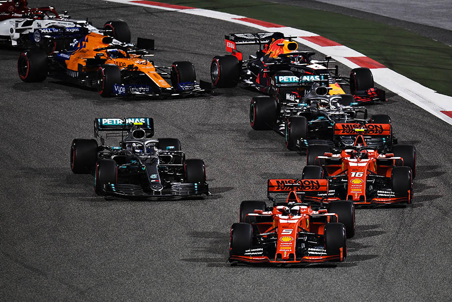 Это фиаско, «Феррари»! «Скудерия» провалила этап в Бахрейне, у Квята авария