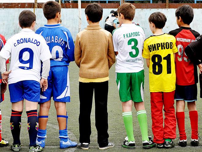 Нытик, костолом и поддатый мужик. 11 персонажей дворового футбола