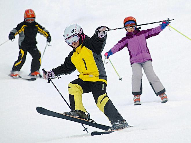Российские горнолыжники провели урок для детей
