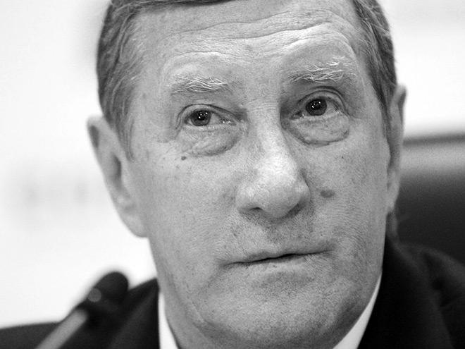Умер хоккейный тренер Валерий Белоусов
