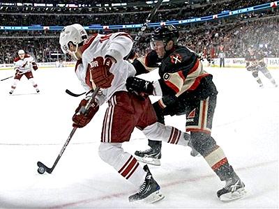 НХЛ взялась за голову