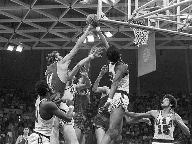 Съёмки фильма «Движение вверх» о победе сборной СССР по баскетболу — 1972