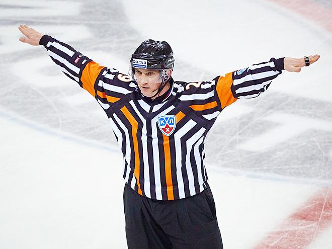 Почему клубы КХЛ критикуют судей?