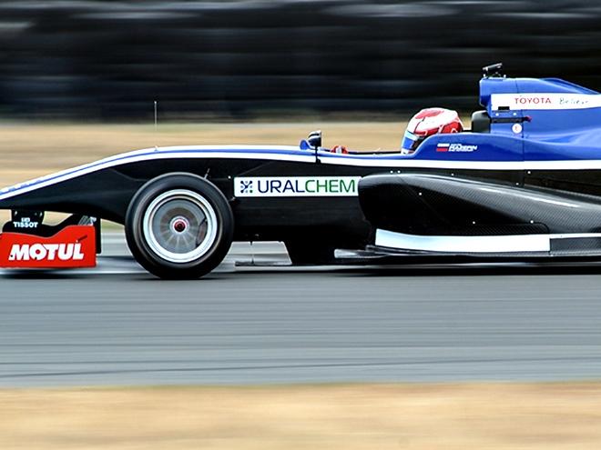 Никита Мазепин готовится к дебюту в Формуле «Рено»