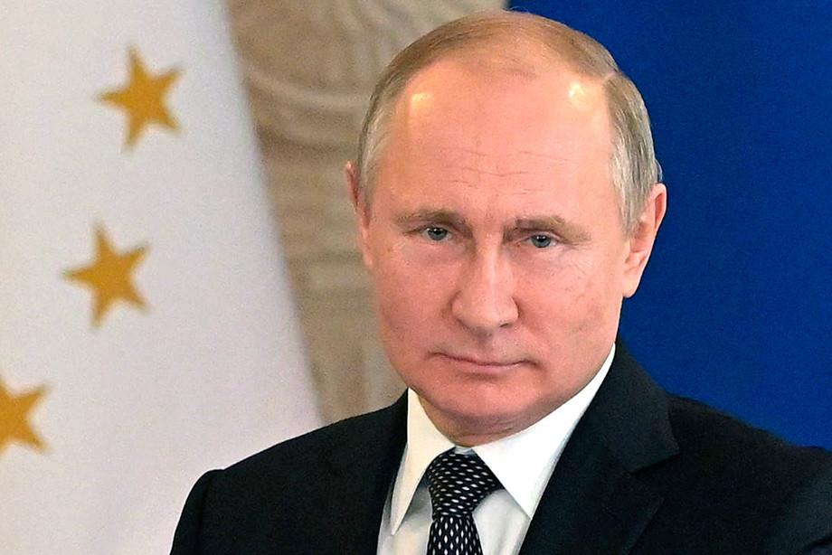 Владимир Путин пригласил уполномоченных французского бизнеса принять участие вПМЭФ-2019