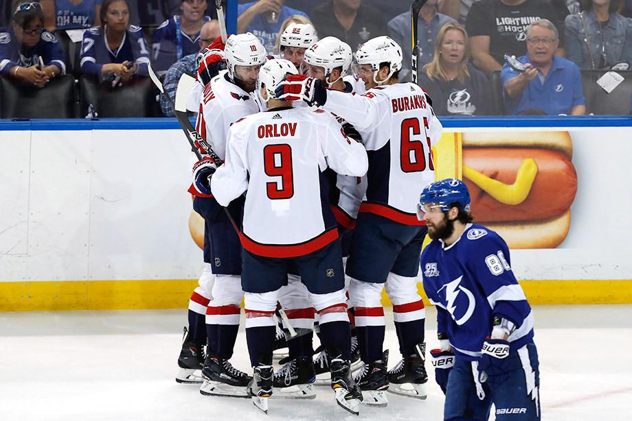 Овечкин иКузнецов помогли «Вашингтону» обыграть «Тампу» вплей-офф НХЛ
