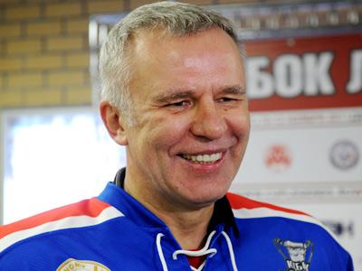 Об одном из лучших защитников в истории хоккея - Вячеславе Фетисове
