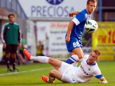 В первом матче раунда плей-офф ЛЕ «Днепр» сыграл вничью со «Слованом»