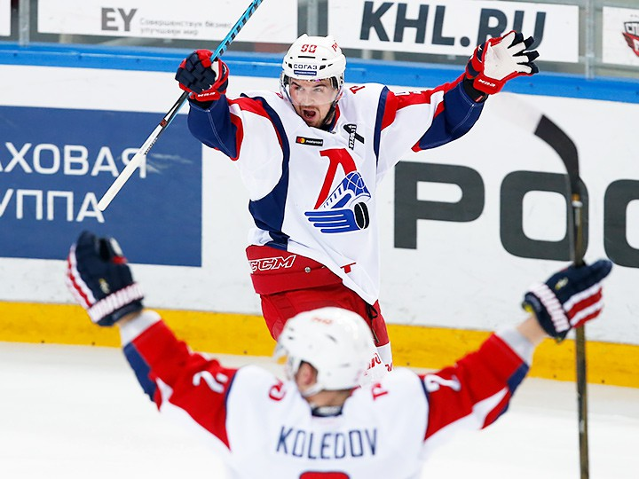 Столичные ЦСКА и«Динамо» проиграли 2-ой матч ¼ финала плей-офф КХЛ