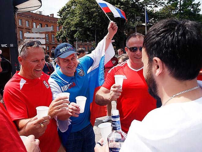 Валлийские и российские фанаты неожиданно подружились