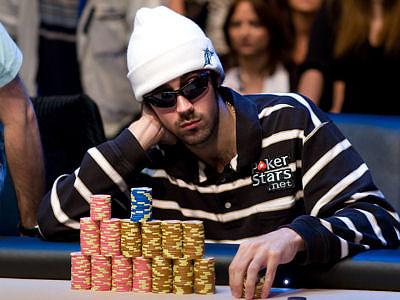 Воскресные турниры по онлайн-покеру прошли без побед