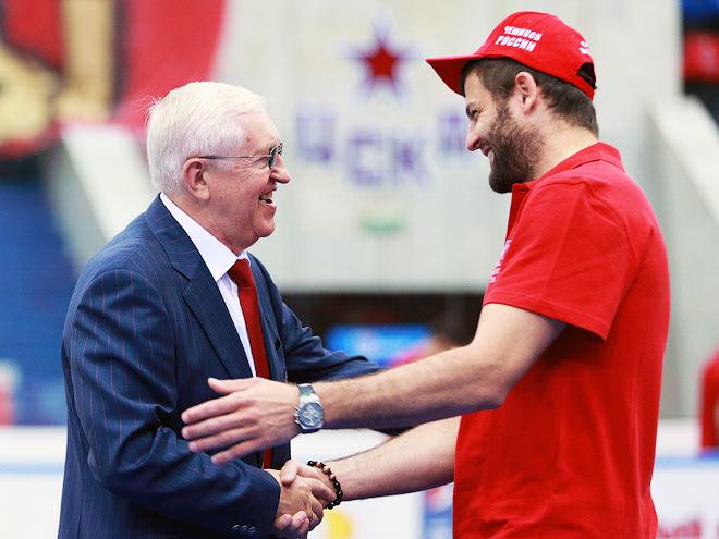 Награждение ЦСКА бронзовыми медалями КХЛ
