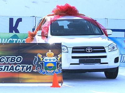 Ушаков покидает Уват на новой машине