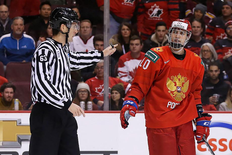 «Это точно хорошее правило?». Почему не засчитали гол России в ворота США