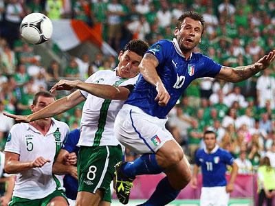 Забив два гола Ирландии, итальянцы вышли в 1/4 финала Евро-2012