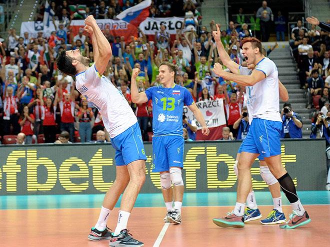 В финале Евроволея сыграют сборные Франции и Словении