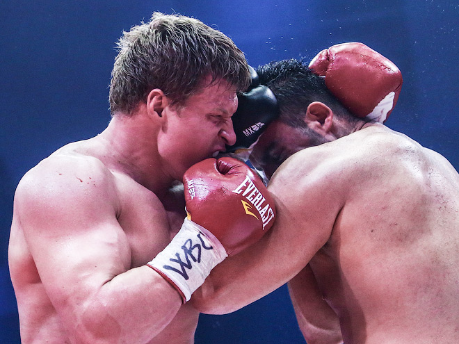 Поветкин нокаутировал Чарра в седьмом раунде