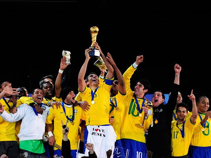Бразилия, Роналдиньо, Фоэ – история Кубка конфедераций