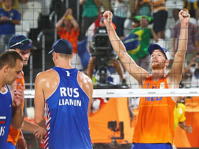 В первом матче ОИ Лямин и Барсук уступили голландцам