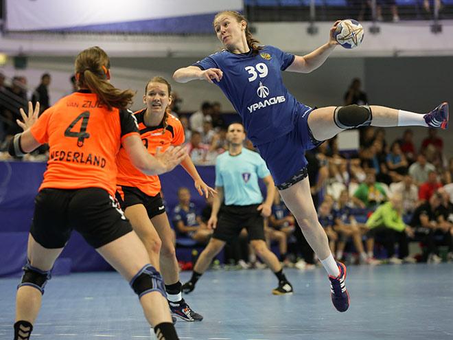 Гандбол. Россия выиграла первый матч на чемпионате мира среди девушек