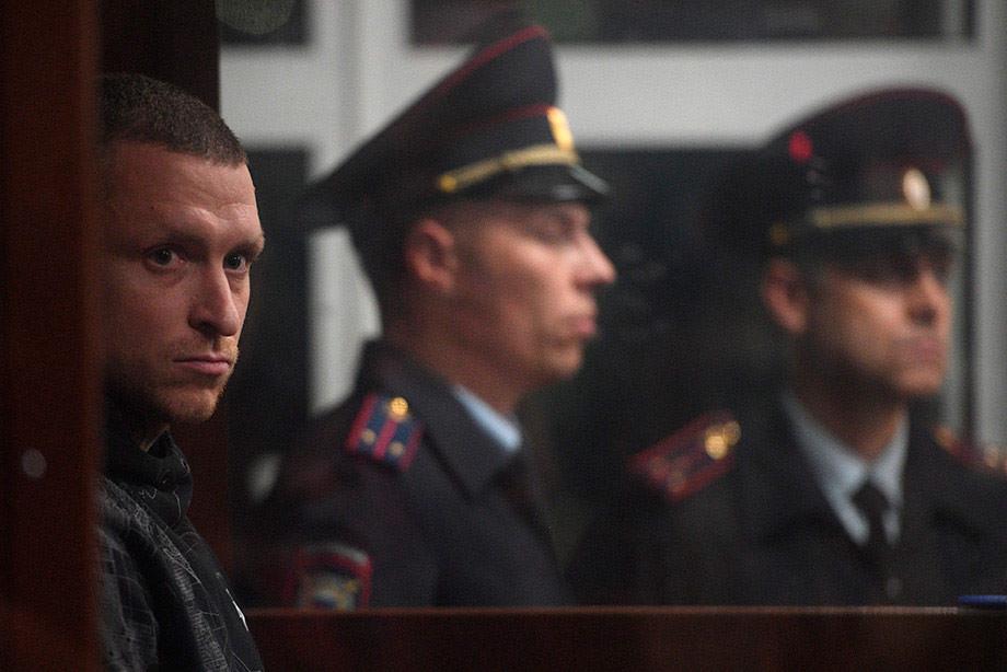 Находящемуся под арестом Павлу Мамаеву сменили сокамерника