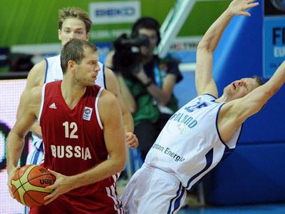 Сергей Моня в игре против Финляндии