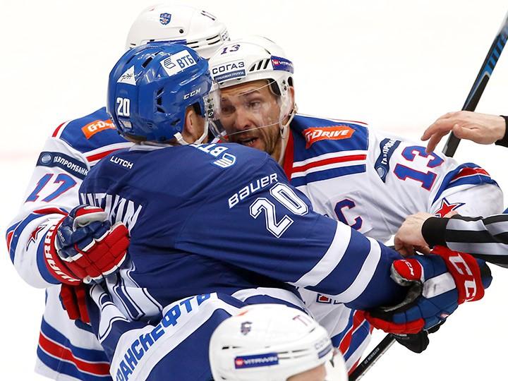 «Динамо» одолело СКА впервом матче серии ¼ финала плей-офф КХЛ