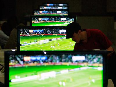 Популярность футбола: UK vs RU vs US