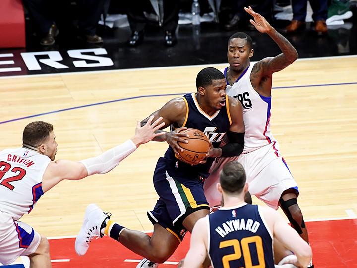 Итоги первого дня плей-офф НБА: апсеты «Милуоки» и «Юты»