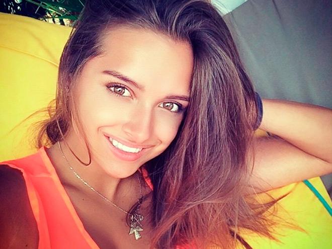 Все самые сексуальные и эротические фотки Каролина Севастьянова собрали в одном месте