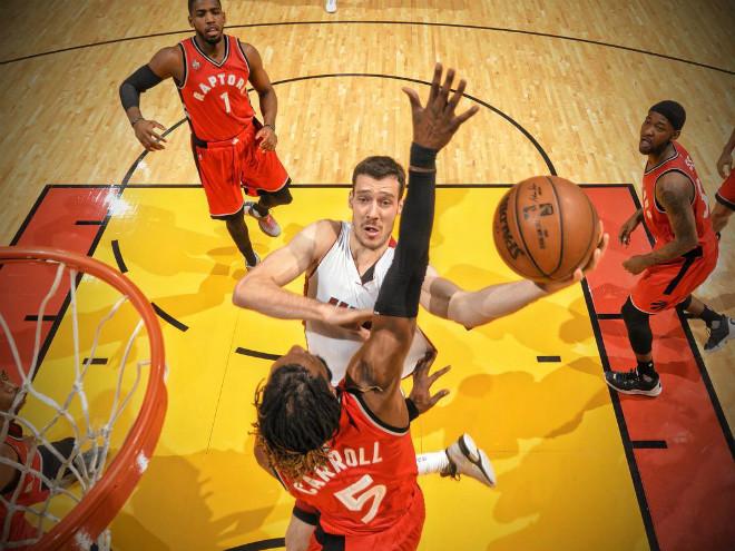 «Майами» победил «Торонто» и сравнял счёт в серии плей-офф НБА